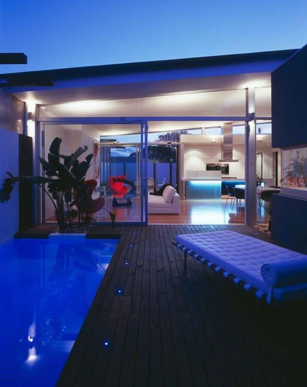 Excellent-symmetric-home-in-Melbourne-Australia-10