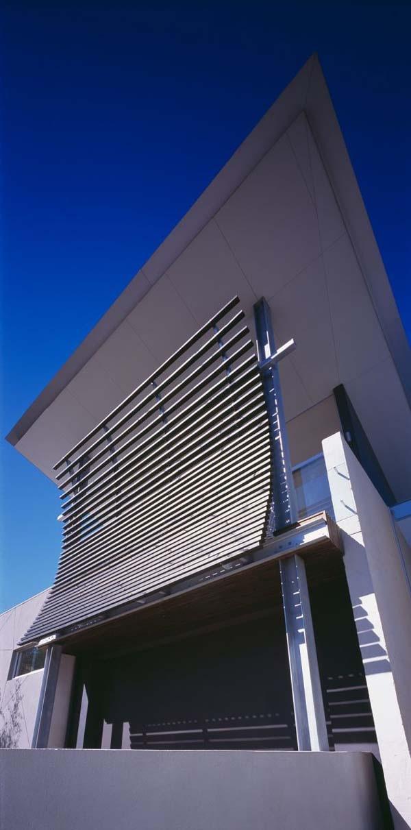 Excellent-symmetric-home-in-Melbourne-Australia-2