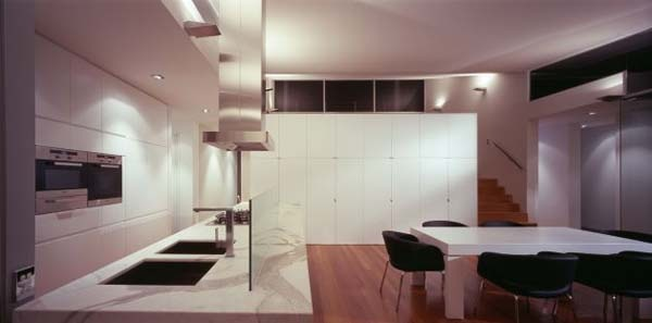 Excellent-symmetric-home-in-Melbourne-Australia-7