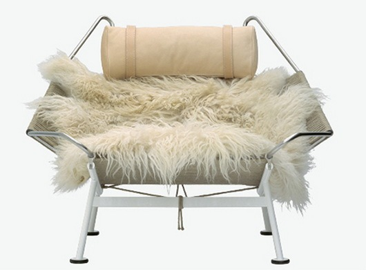 Fantastic-lounge-chair-by-PP-Mobler-3