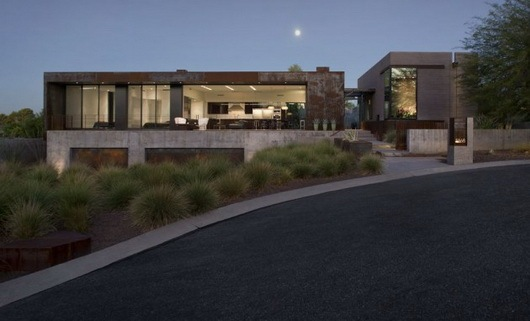 Fantastic-rough-and-luxurious-Yerger-Residence-1