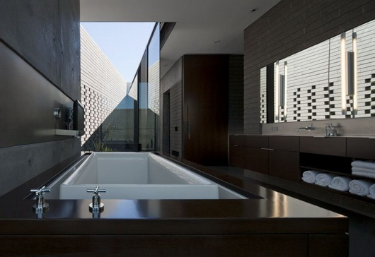 Fantastic-rough-and-luxurious-Yerger-Residence-17