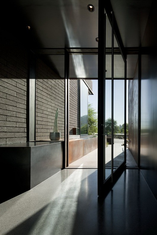 Fantastic-rough-and-luxurious-Yerger-Residence-4