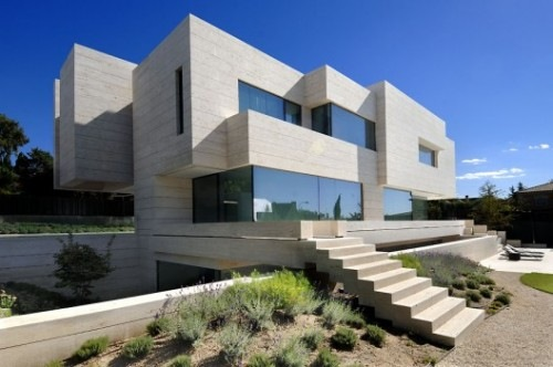 House-in-Pozuelo-de-Alarcn-by-A-cero-Architects-1