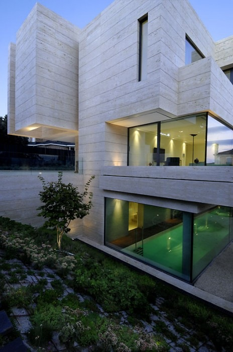 House-in-Pozuelo-de-Alarcn-by-A-cero-Architects-14