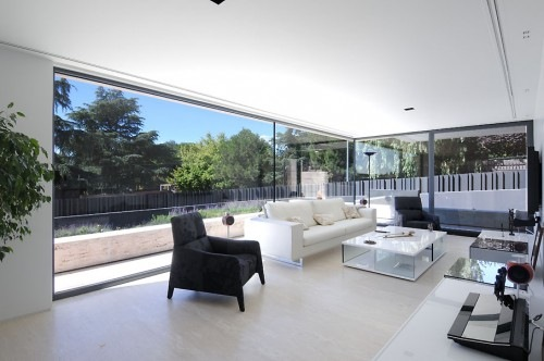 House-in-Pozuelo-de-Alarcn-by-A-cero-Architects-4