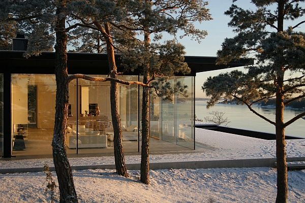 James-Bond-House-Stunning-Swedish-Villa-With-Lake-Views-2