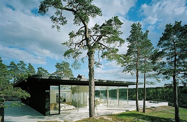 James-Bond-House-Stunning-Swedish-Villa-With-Lake-Views-6