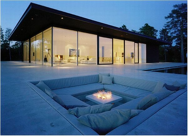 James-Bond-House-Stunning-Swedish-Villa-With-Lake-Views-9