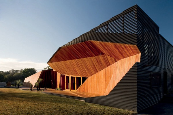 Letterbox-House-in-Blairgowrie-Australia-by-McBride-Charles-Ryan-1