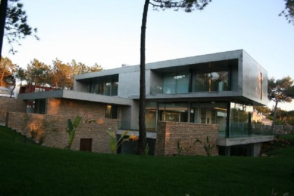 Luxury-Quinta-da-Marinha-Residence-Overlooking-a-Golf-Course-2