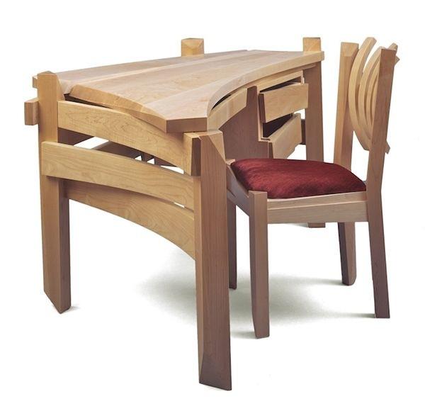 Solid-wood-desk-artistically-created-by-Nico-Yektai-1