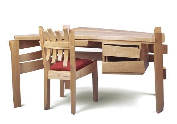 Solid-wood-desk-artistically-created-by-Nico-Yektai-2