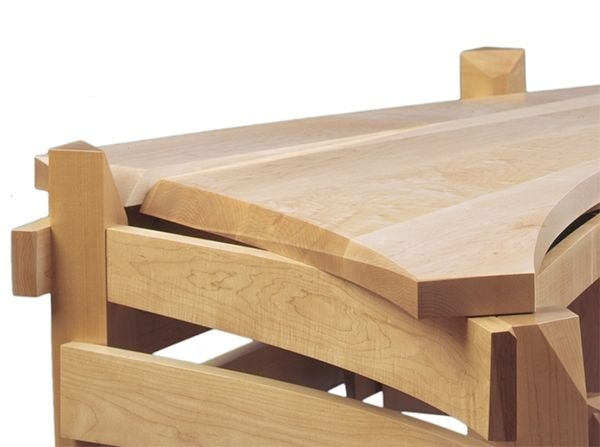Solid-wood-desk-artistically-created-by-Nico-Yektai-3