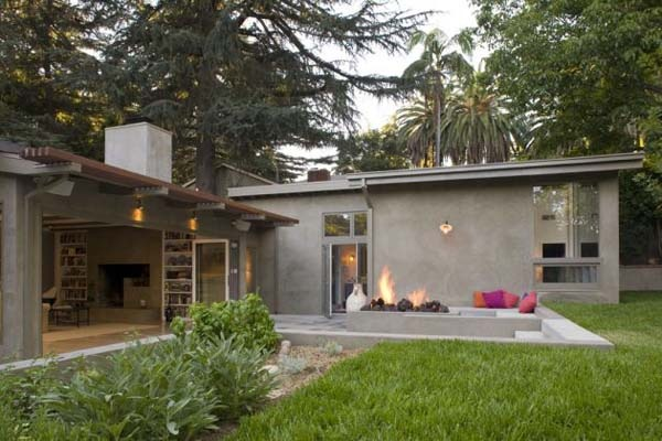 Surprising-Renovation-of-an-80-home-in-California-3