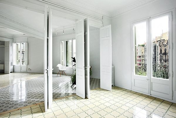 White-Renovated-Apartment-in-Barcelona-by-ARQUITECTURA-G-1