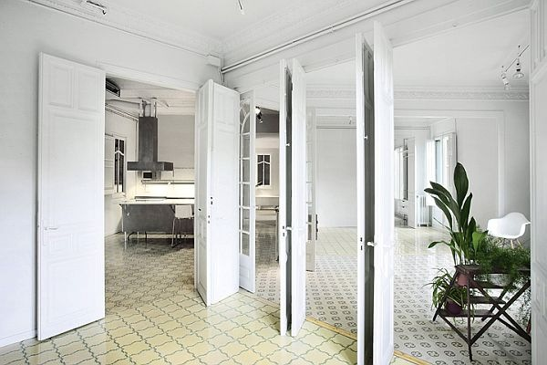 White-Renovated-Apartment-in-Barcelona-by-ARQUITECTURA-G-2