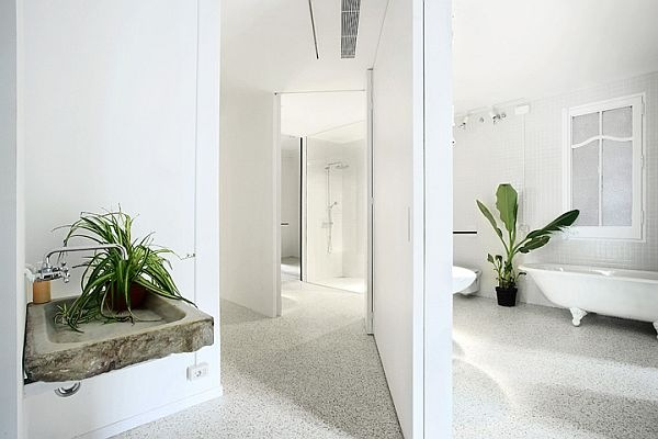 White-Renovated-Apartment-in-Barcelona-by-ARQUITECTURA-G-9