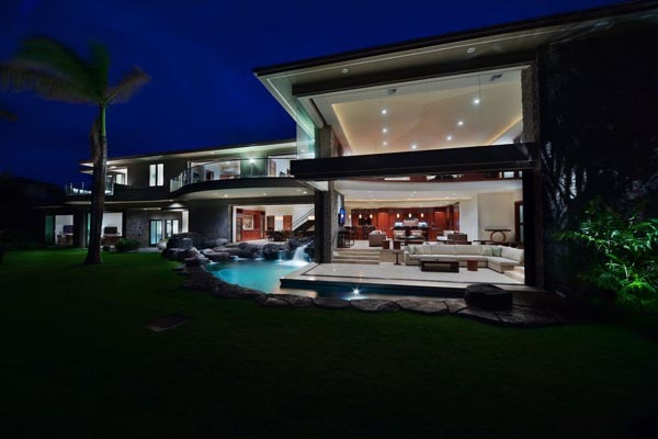 Luxury-Hawaii-Villa-by-Arri-Lecron-1