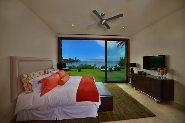 Luxury-Hawaii-Villa-by-Arri-Lecron-18
