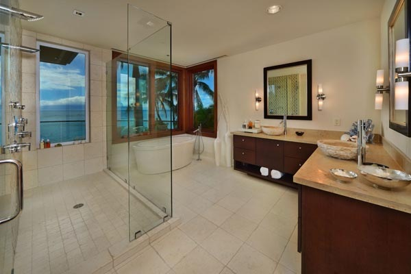 Luxury-Hawaii-Villa-by-Arri-Lecron-9