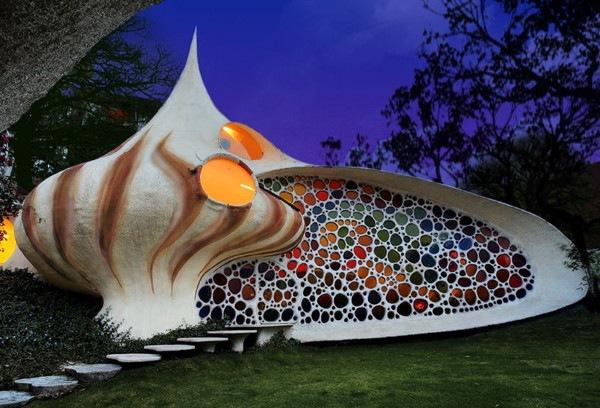 Nautilus-House-by-Javier-Senosiain-1