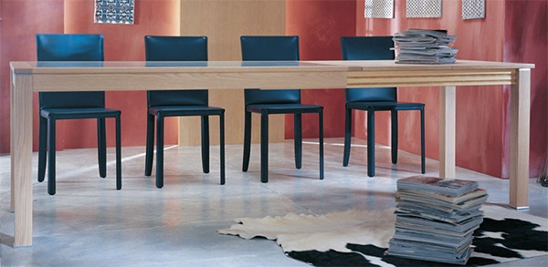 Practical-Extendable-Frame-Table-from-Ozzio-2