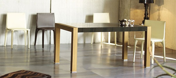 Practical-Extendable-Frame-Table-from-Ozzio-8