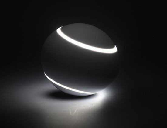 Solar-Eclipse-Lamp-from-Igendesign-9