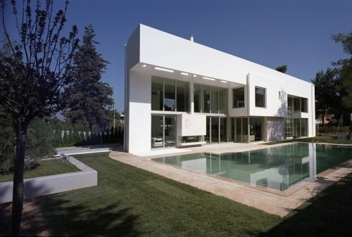 Wide-Open-Villa-by-KLab-Architects-1