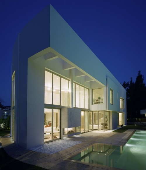 Wide-Open-Villa-by-KLab-Architects-13