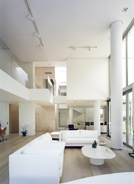 Wide-Open-Villa-by-KLab-Architects-5