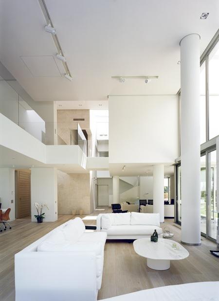 Wide-Open-Villa-by-KLab-Architects-5