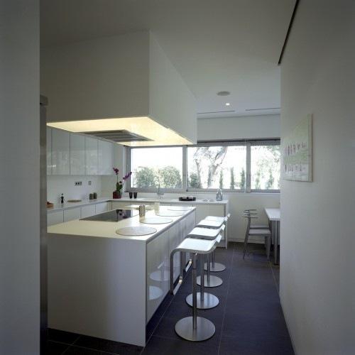 Wide-Open-Villa-by-KLab-Architects-8