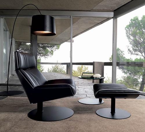 Elegant-and-Comfortable-Chair-by-Desiree-Kara-2