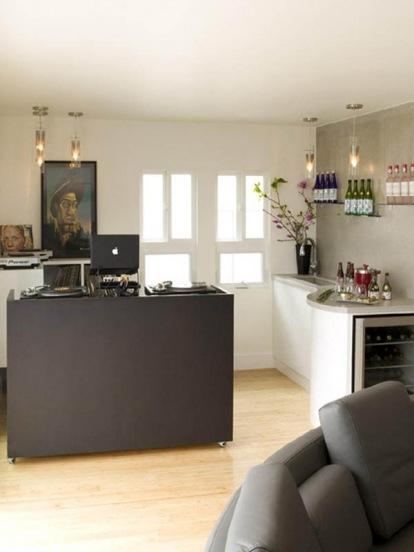 Green-Design-in-a-Modern-Apartment-by-Lori-Dennis-4